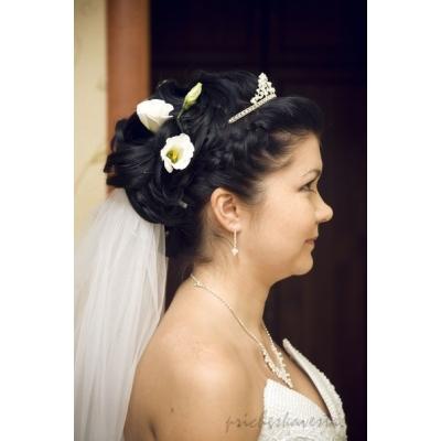 Свадебная прическа цветами
